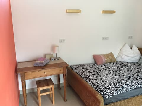 Liebevoll gestaltetes Gästezimmer