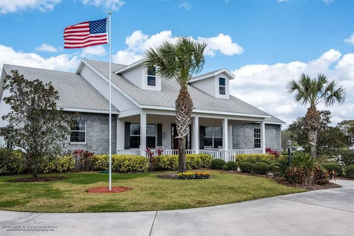 The Farmhouse Inn- Southern Charm at it's best - Bradenton - Rumah