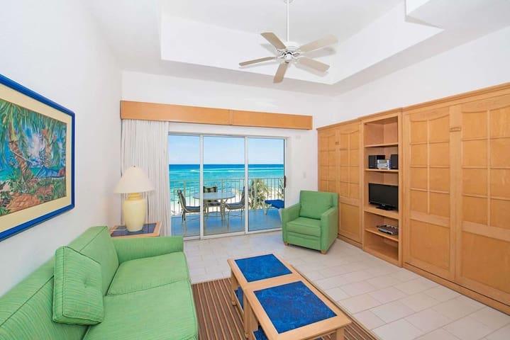 Beachfront With Spectacular Ocean Views - sleeps 6