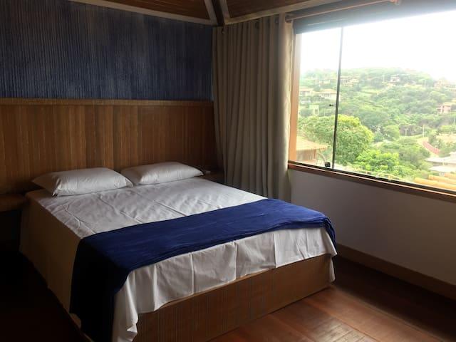 Suite 2 com cama quenn
