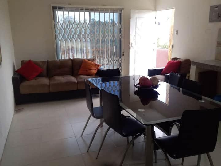 Suite cómoda dos dormitorios con 2 parqueos garage