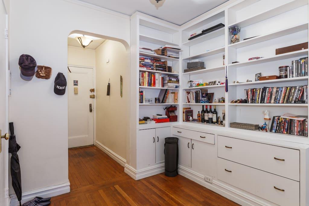 Extensive book area