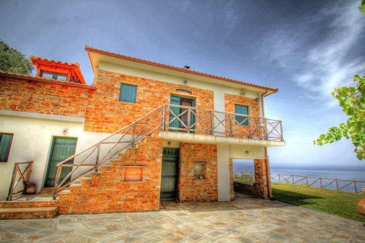 "Villa ""ONAR"" at Pelion. - Οικισμός Πλάκα"
