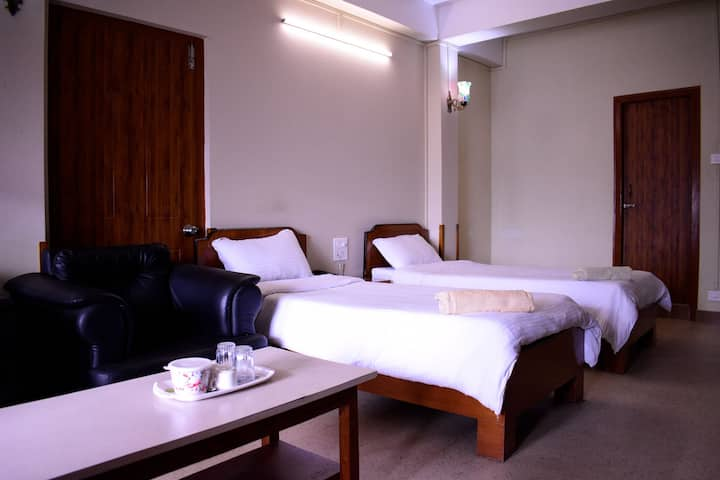 Sanctum Guest House - room with pvt balcony