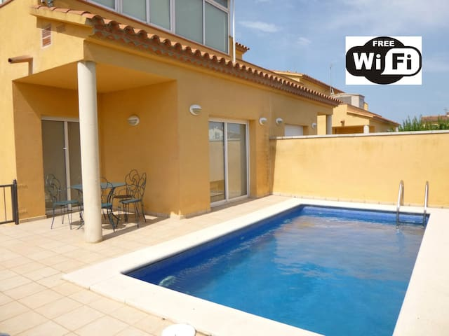 0144-PUIGMAL House with private pool and wifi