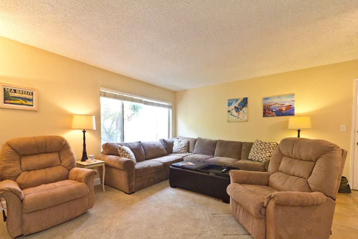 Great Carpenteria Beach Condo