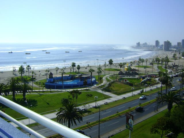Sensacional vista a playa Cavancha