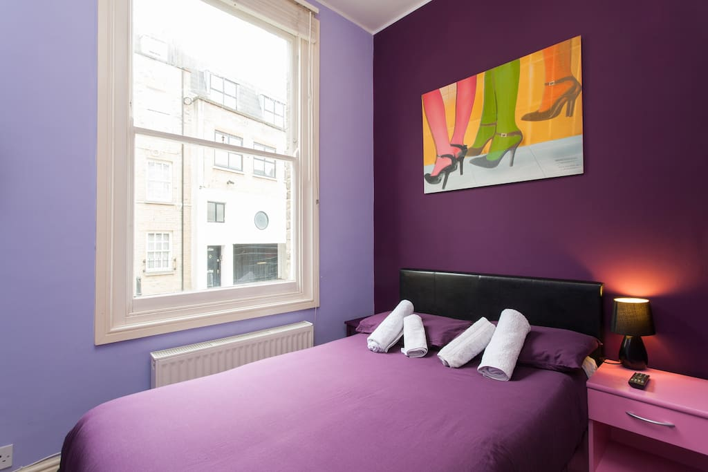 The cosy, warm and Purple!...bedroom