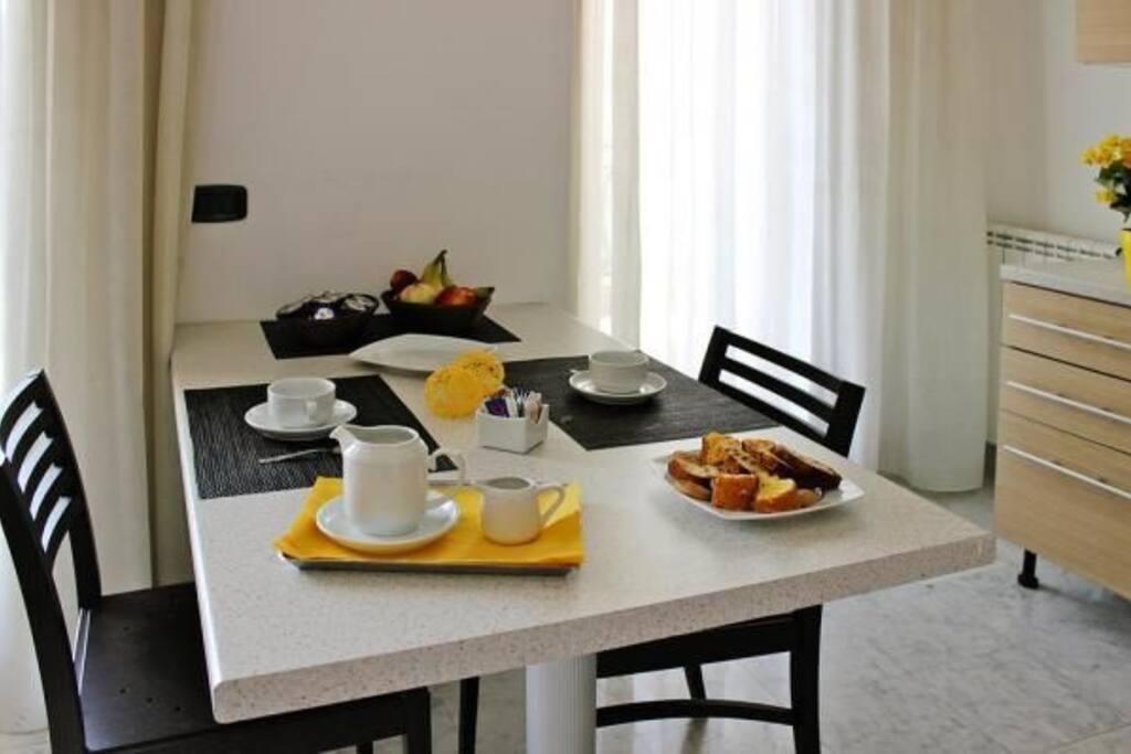 esempio di una tavolo per la colazione