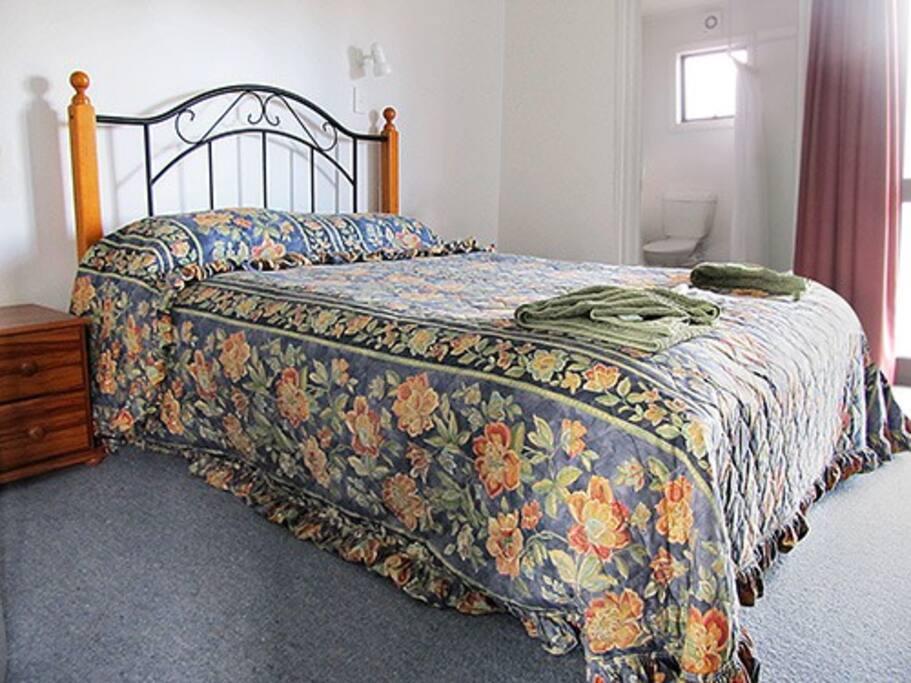 Room 6. Queen size bed with en-suite.
