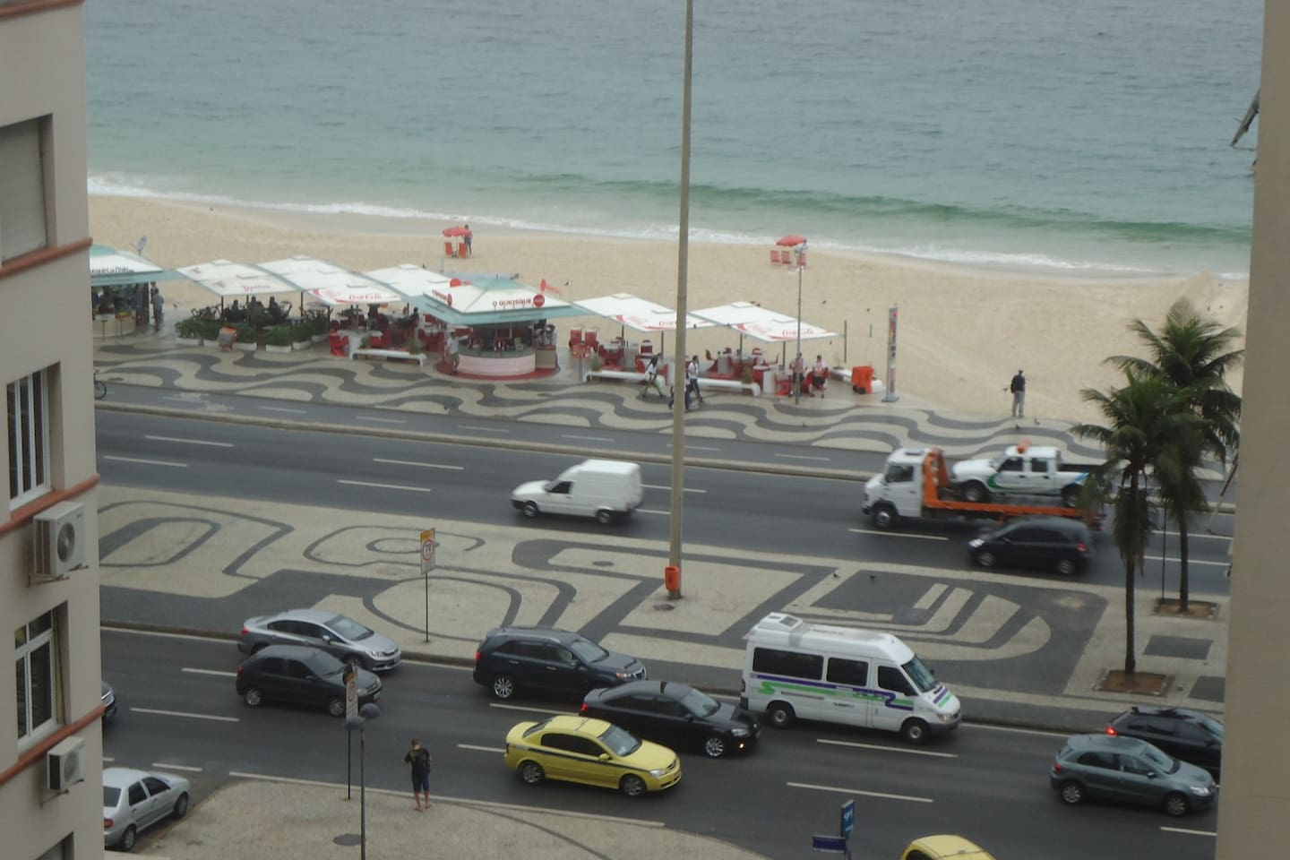 View from the apartment.  You see the kiosk where you can drink  coconut water and Caipirinha