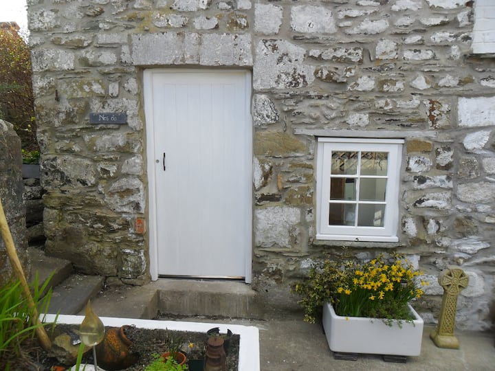 1 bedroom accommodation, Fishguard.