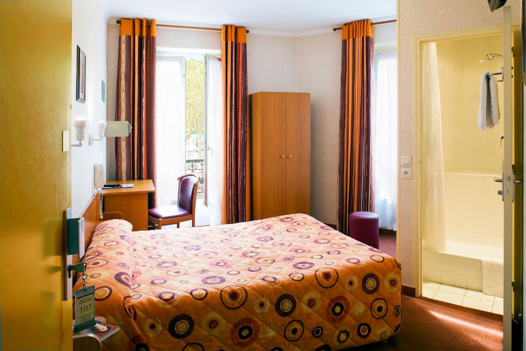 Chambre d 39 h tel privative bed breakfasts zur miete in for Chambre d hotel paris