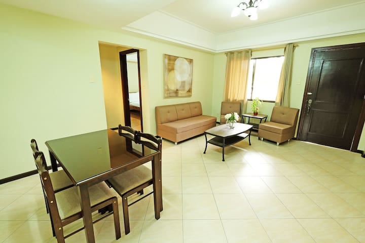 2BR Fully Furnished Apartment - Las Palmeras 5