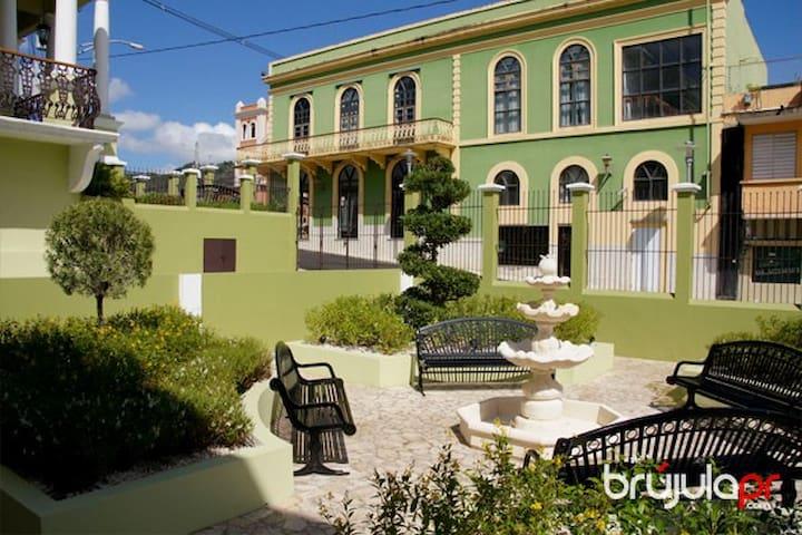 Historical Museum Doña Bisa, 2 min walk from San Sebastian Bed & Breakfast, Puerto Rico