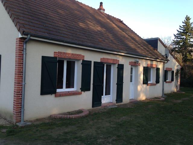 Petite maison solognote proche Chambord