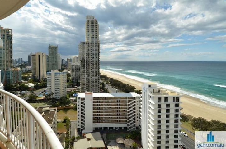 LAST MINUTE PRICES Beachfront 3BRM FREE WIFI 286 - Surfers Paradise - Apartmen