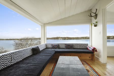 Waterfront Cottage, Fort Pond MTK - Montauk