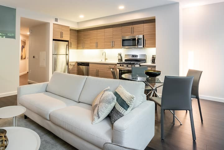 1 Bedroom with Copious Amenities in Mid-Market SF