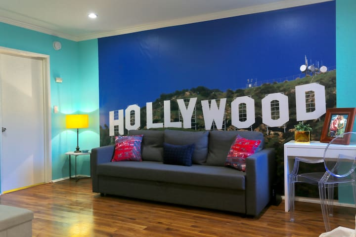 Hollywood Designer Apartment with Pool - Los Angeles