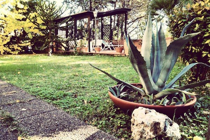 Sunny family house with garden - Macerata - Flat