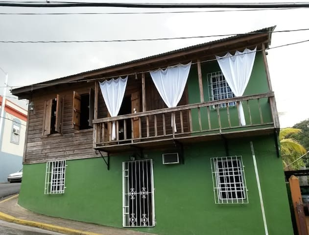 Maricao Town 1800's Apartment! - Maricao - Ev