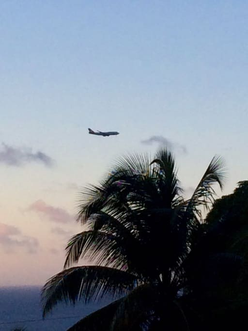 can see the planes going in for landing