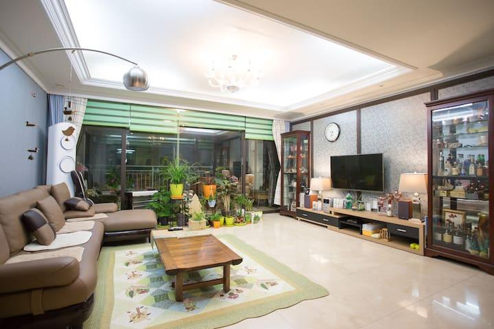 SUNI HOUSE 57(해변과 낭만,소나무숲이 정원인 별장 )