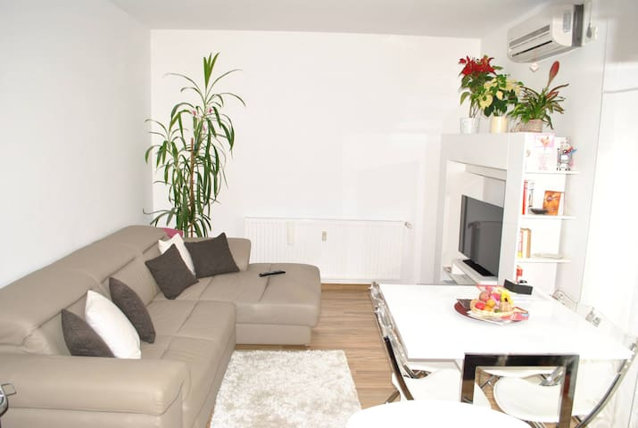 Stunning new 2 Bedroom Apartment - Oradea - Apartment