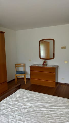 camera da letto doppia con armadio