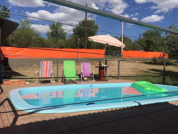 CASAS ORIONIS con piscina, quincho, cerca río