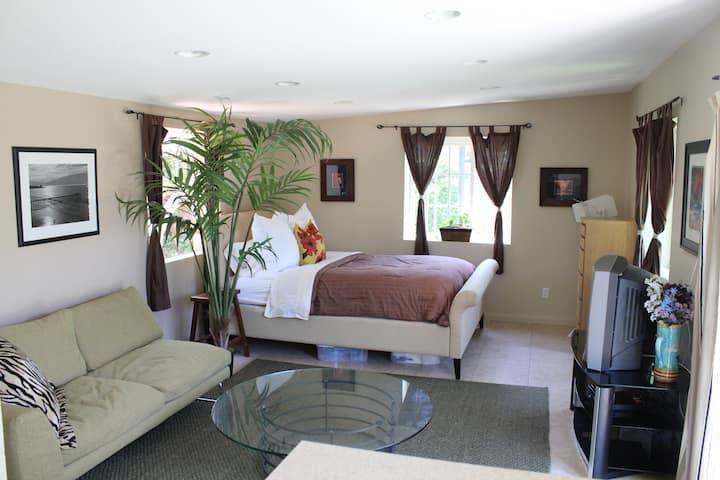 Casita/Apartment in Costa Mesa