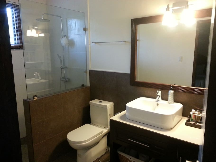 Bathroom with hot water and full amenities