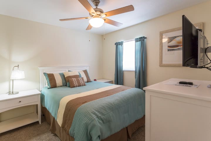 2017 Remodel  Ice Cold Air and WiFi Near Innisbrook & Beaches