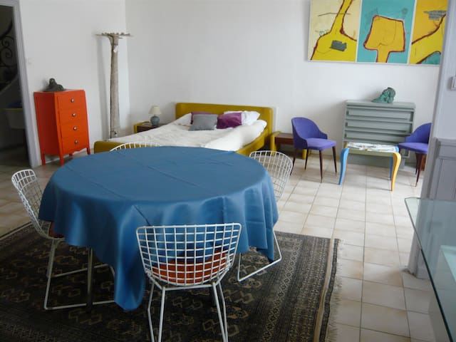 bel appartement; coeur de village ;  autonome