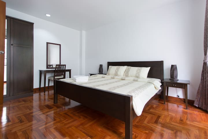 Cozy room in heritage zone of BKK - Bangkok - Huoneisto