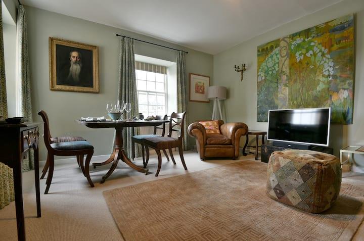 Elegant 2 Bed Flat in Bath next to Pulteney Bridge