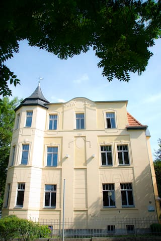 Apartment in top Lage m Stellplatz - Weimar - Villa