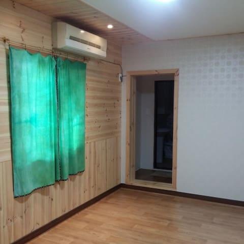 평화로운 쉼이 있는 공간, 다담게스트 하우스 (온돌방)입니다. 2실이 있습니다.