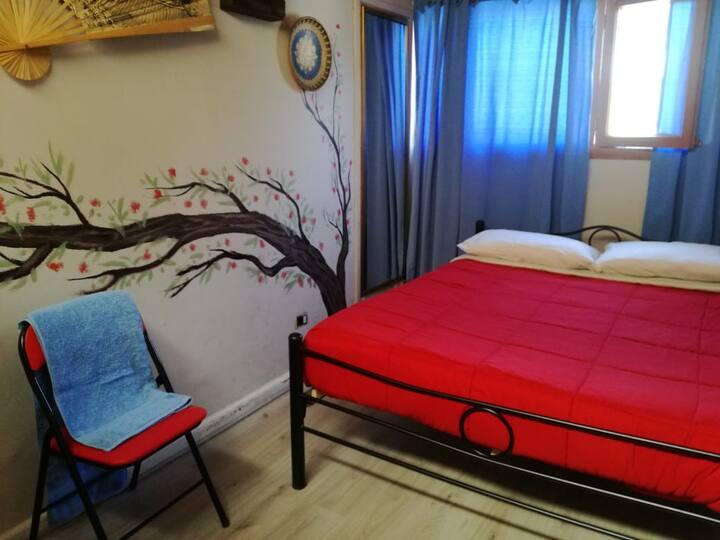 Habitación Doble, cama matrimonial Baño compartido