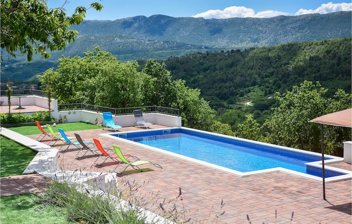 Amazing home in Zvecanje/Gata with Outdoor swimming pool, WiFi and 2 Bedrooms