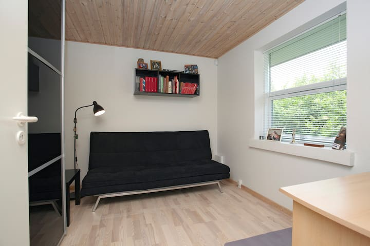 Guest room in Skanderborg villa - スカネルボル