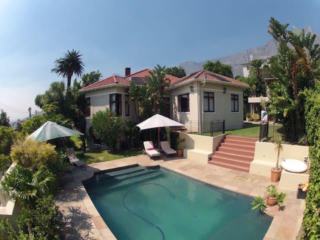 Garden Cottage in Oranjezicht