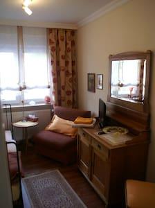gemütliche 3 Zimmer bis 5 Personen - Leimen - Lejlighedskompleks