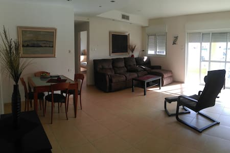 Amazing perfect condition furnished - Netanya - Lejlighed