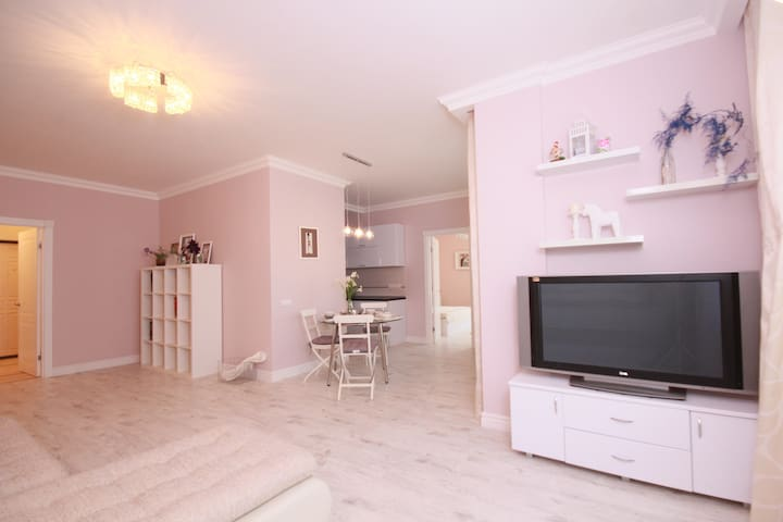 Beautiful apartment near Moscow river