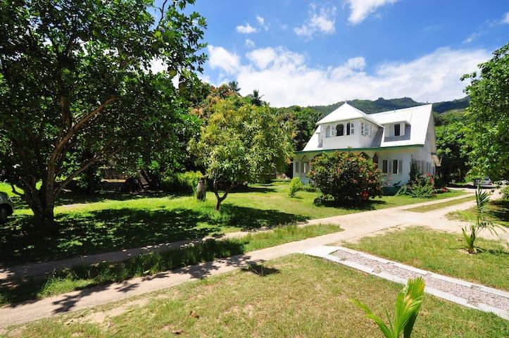 Petie Baie Holiday Villa - Mahe - Villa