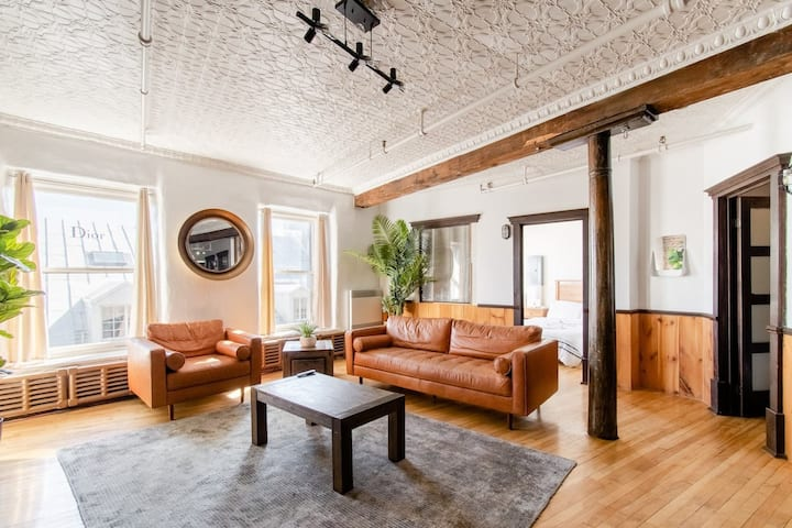 Trendy Penthouse on Historical street Old Montreal