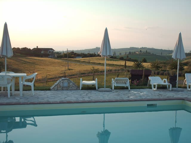 Flat with pool in Chianti aerea 2+2 - Castelfiorentino - Lägenhet