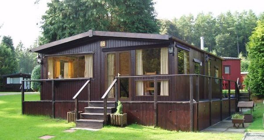 Peaceful wooden Cabin, Caer Beris - Builth Wells